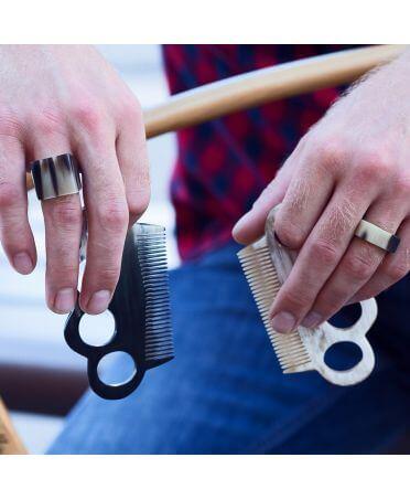 Peigne poing américain grand modèle- corne claire