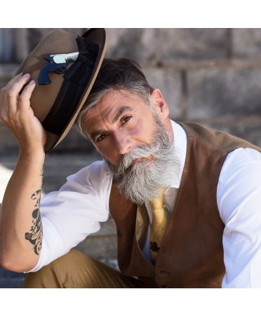 Mustache Russian Revolver Comb -Light horn