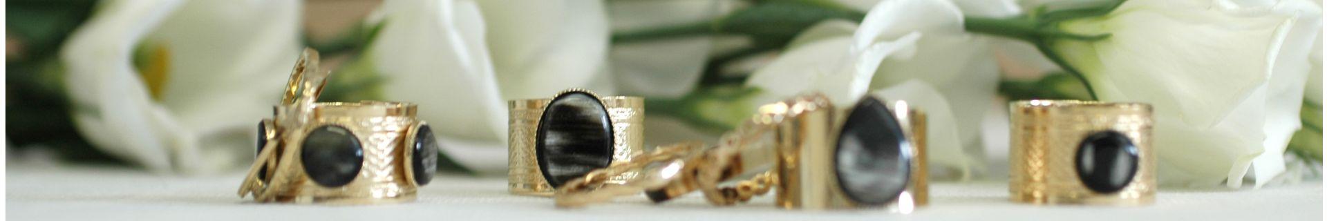 Bijoux en plaqué or et corne - Collection Essentiels