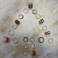 // Christmas //  L'esprit de noël réunit autour de nos bagues fétiches en plaqué or !  . . . #bague #bagues #rings #bagueaddict #addictjewel #jewel